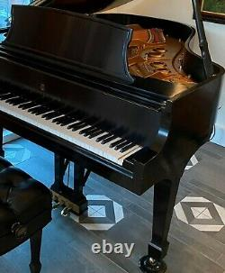 New in 1999 STEINWAY & SONS Model L LIVING ROOM CONCERT GRAND PIANO