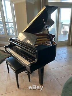 Rarely played Yamaha GH1 Baby Grand Piano
