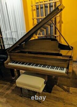 STEINWAY & SONS 5'7 model M piano