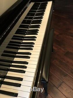 Samick Baby Grand Piano, Model # SIG-50. Ebony High Gloss. Gently used