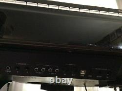 Suzuki Electric Baby Grand Piano (Model GP-3)