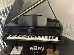 Yamaha Baby Grand Piano G Model